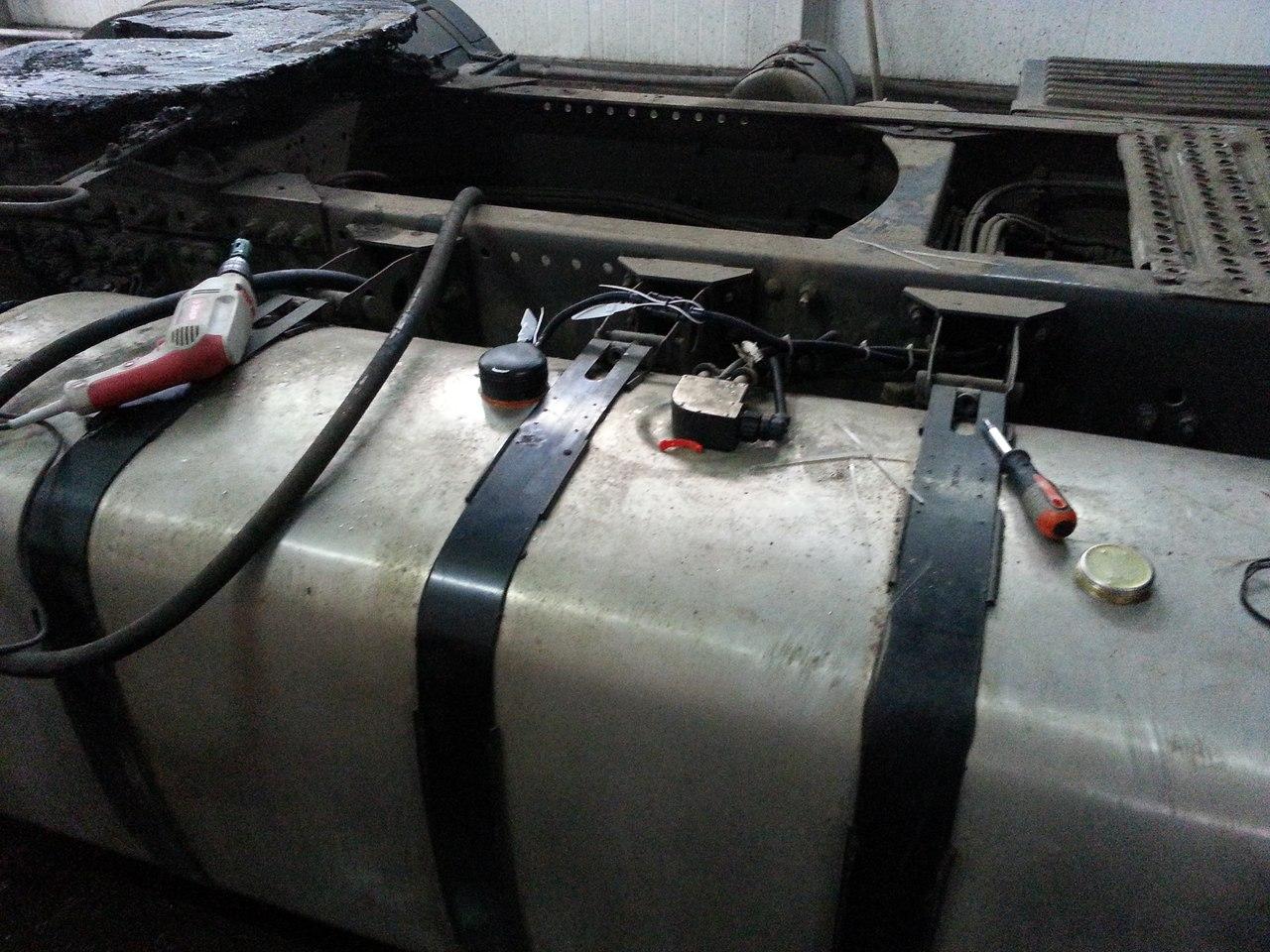 Монтаж датчика уровня топлива